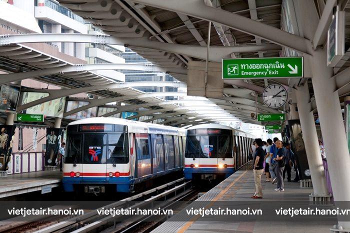 Tàu điện ngầm Sky Train ở Bangkok