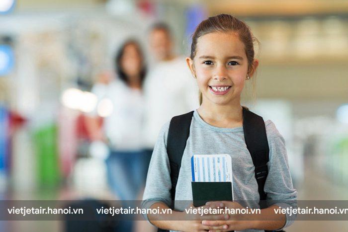 Trẻ em khi đi máy bay cần có giấy tờ tùy thân