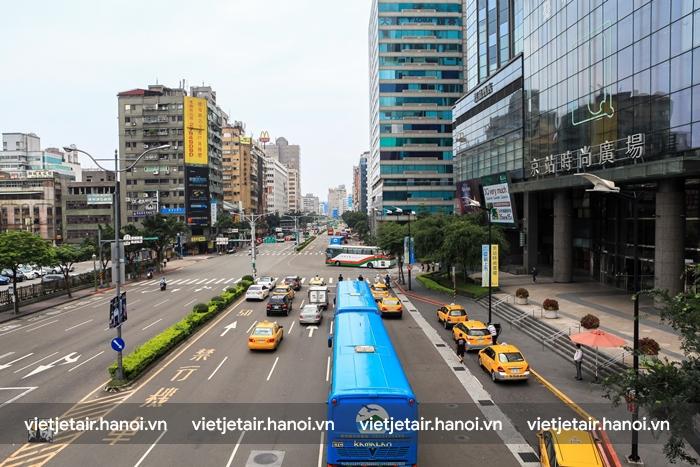 Giao thông ở Cao Hùng rất ít tắc đường và dễ dàng di chuyển giữa các thành phố