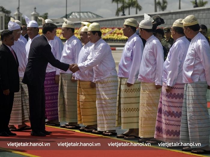 Longy trang phục truyền thống của người Myanmar