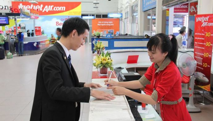Hướng dẫn hành khách lấy hóa đơn VAT vé máy bay