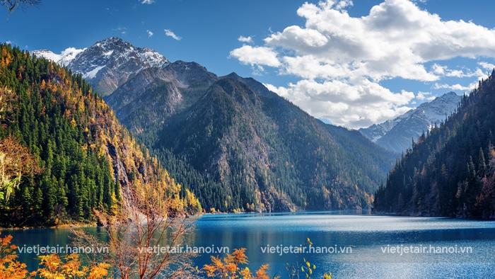 Đến Cửu Trại Câu chiêm ngưỡng vẻ đẹp của hồ Trường Hải