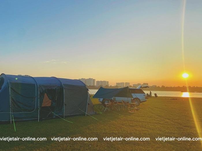 Vẻ đẹp Poetic Sunset Hà Nội – điểm picnic và ngắm hoàng hôn đắt giá